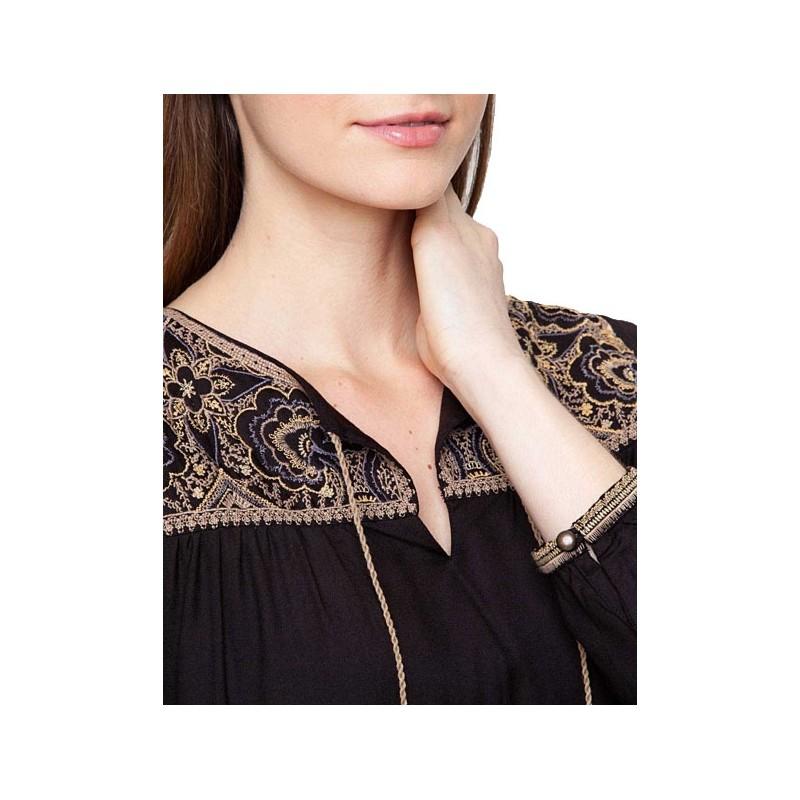 blouse javar brod e la fianc e du m kong. Black Bedroom Furniture Sets. Home Design Ideas